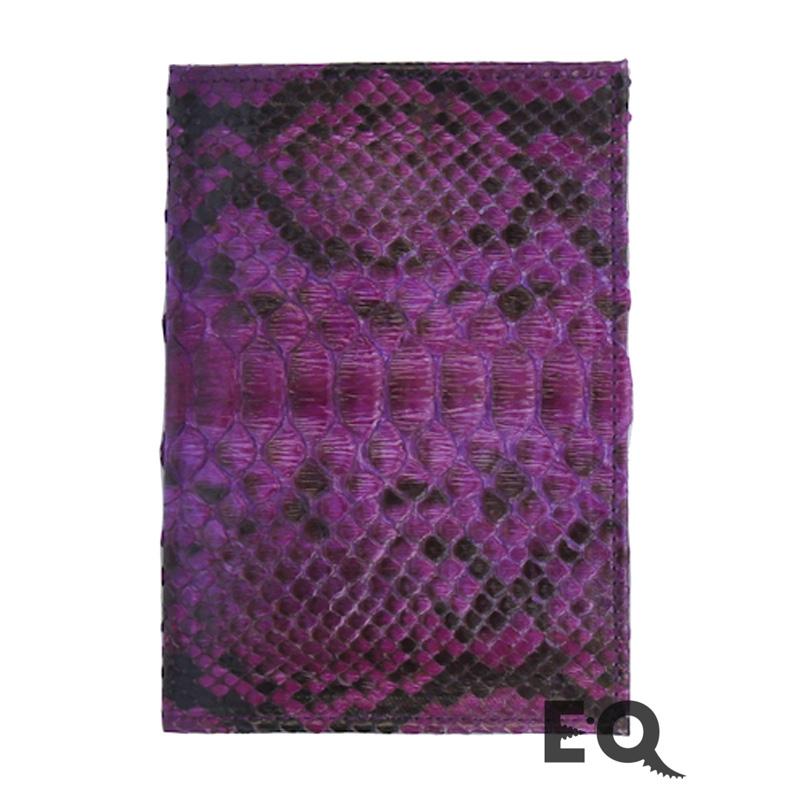 Фиолетовая обложка для паспорта из питона