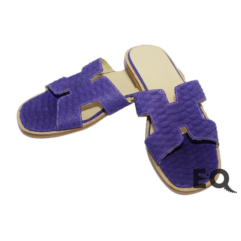 Темно-фиолетовые сабо из питона