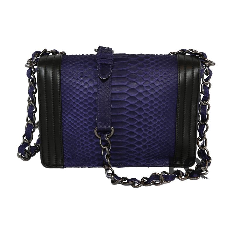 Синяя сумочка Chanel Boy из питона