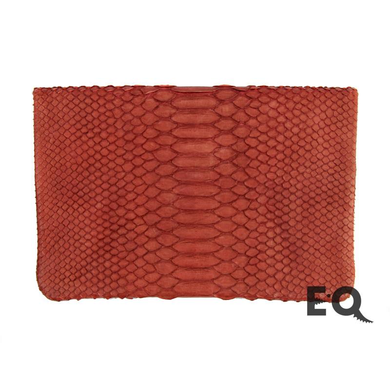 Темно-красный клатч из питона