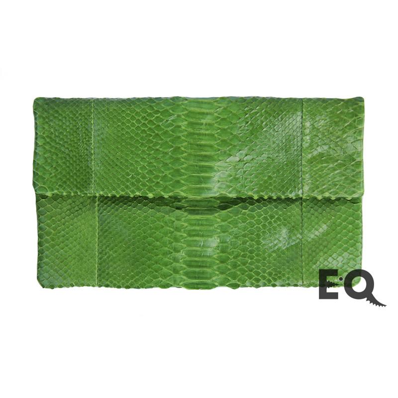 Зеленый клатч из питона