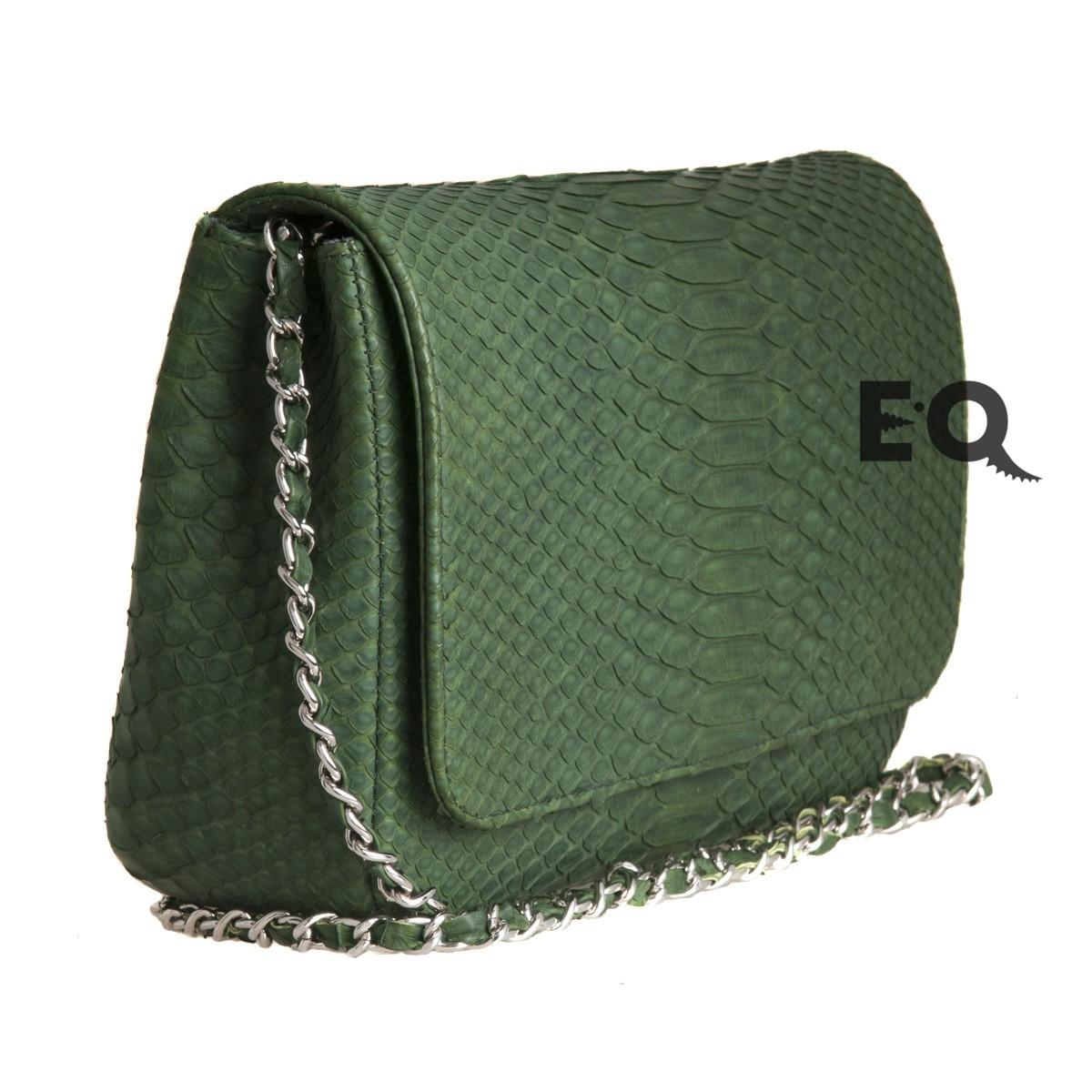 Зеленая сумочка из питона