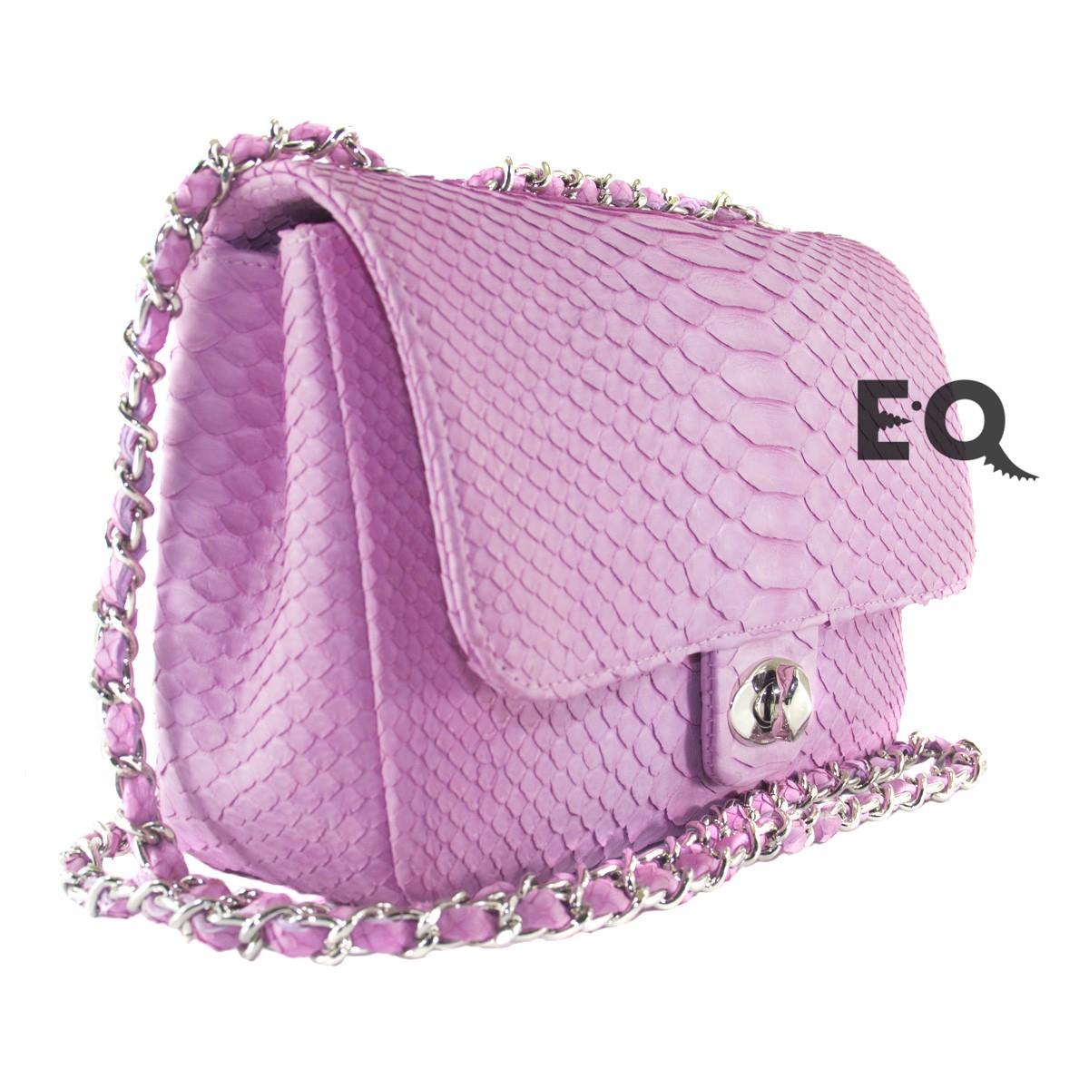 Розовая сумочка из питона
