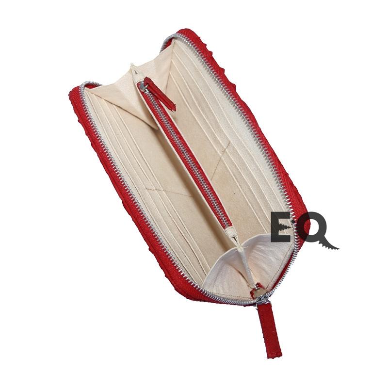 Красный кошелек из питона